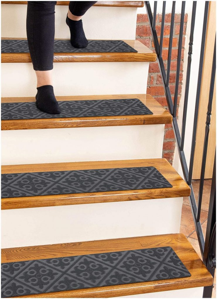 carpet runners for Tripawd dogs and cats